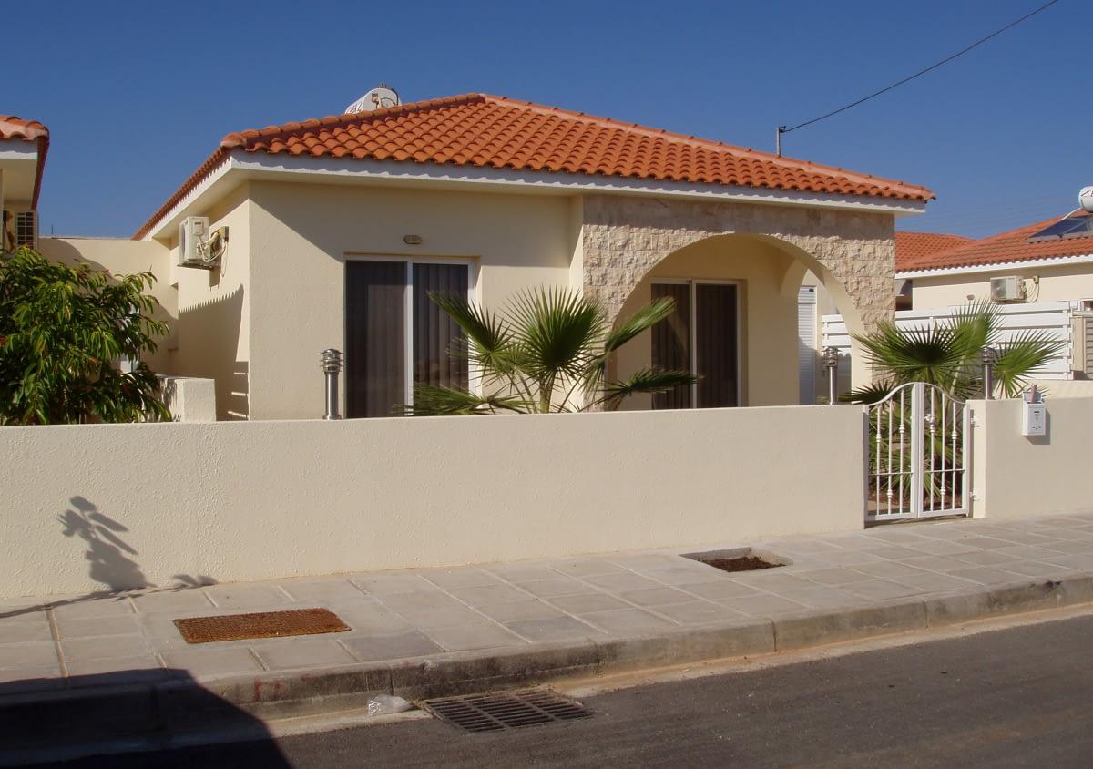 Three Bedroom Bungalow in Xylophagou