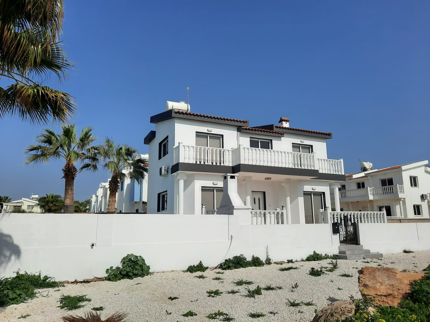 Fully Refurbished Villa For Rent in Ayia Thekla