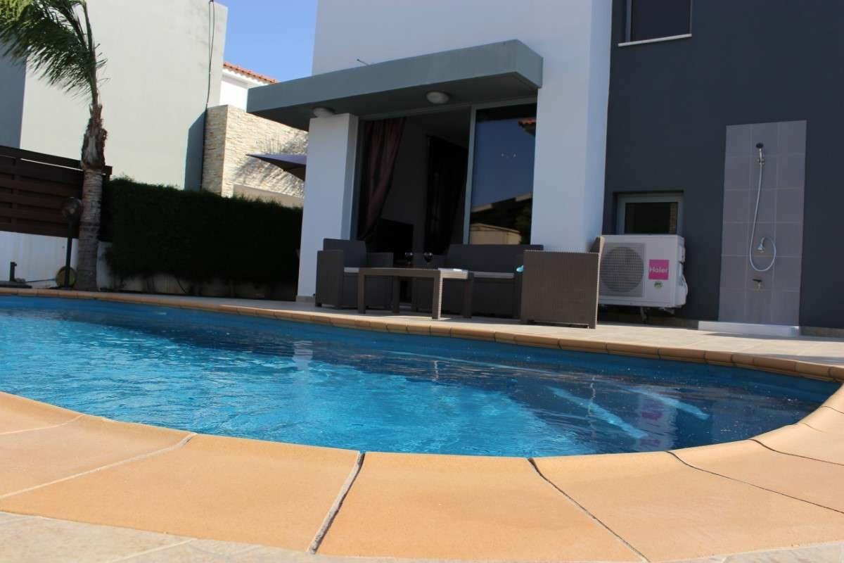 Sunflower villa No.6 - Pool, Table, 360 degrees