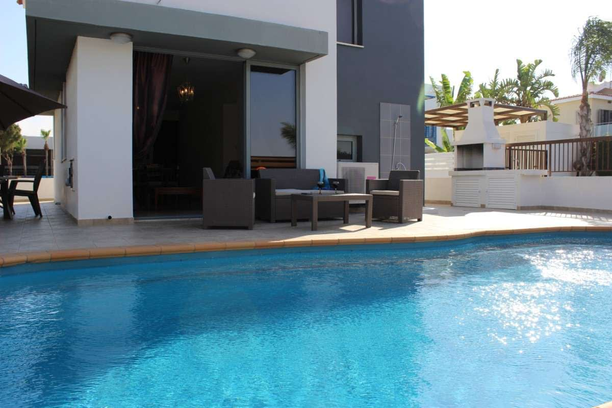 Sunflower villa No.6 - Pool, Table, Wine, Villas in Protaras