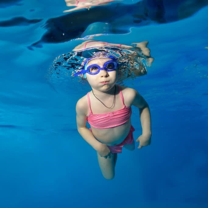 bebe swimmibg